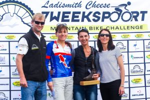 The elite women's podium featuring from left to right: Ronaldo Groenewald (CEO Ladismith Cheese), Alma Colyn (3rd), Yolande de Villiers (1st) and Shani Morton (Western Province Cycling). Not pictured: Fienie Barnard (2nd).