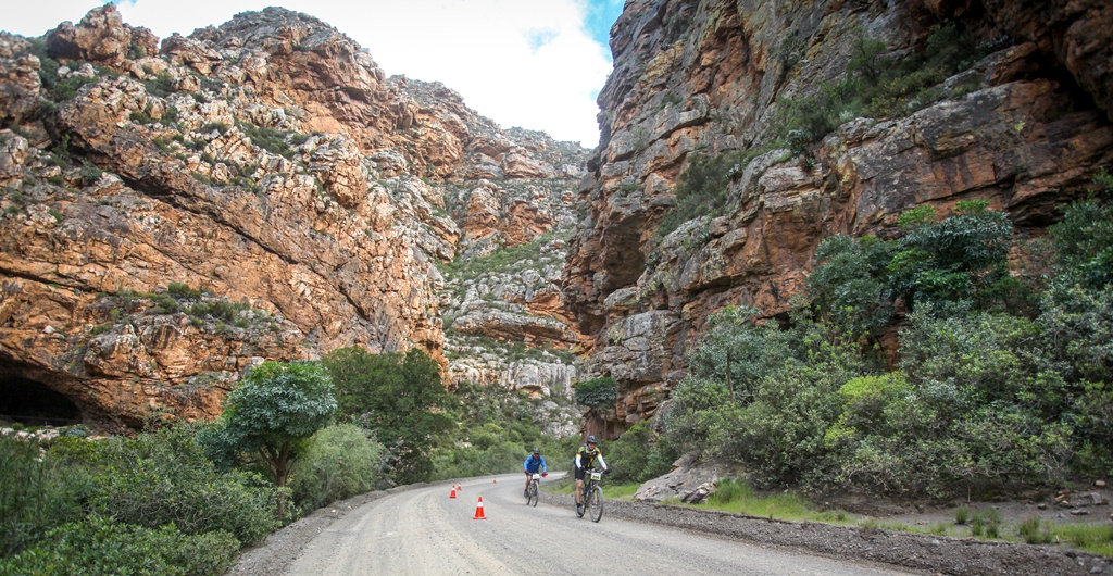 The Ladismith Cheese 7Weekspoort MTB Challenge takes its name from the spectacular Seweweekspoort, which the 82km and 40km routes visit. Photo by Oakpics.com.