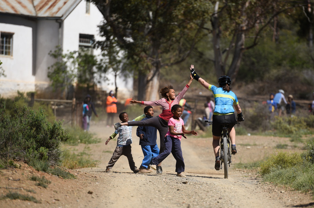 CYCLISTS ENCOUNTER THE HEART OF THE KLEIN KAROO