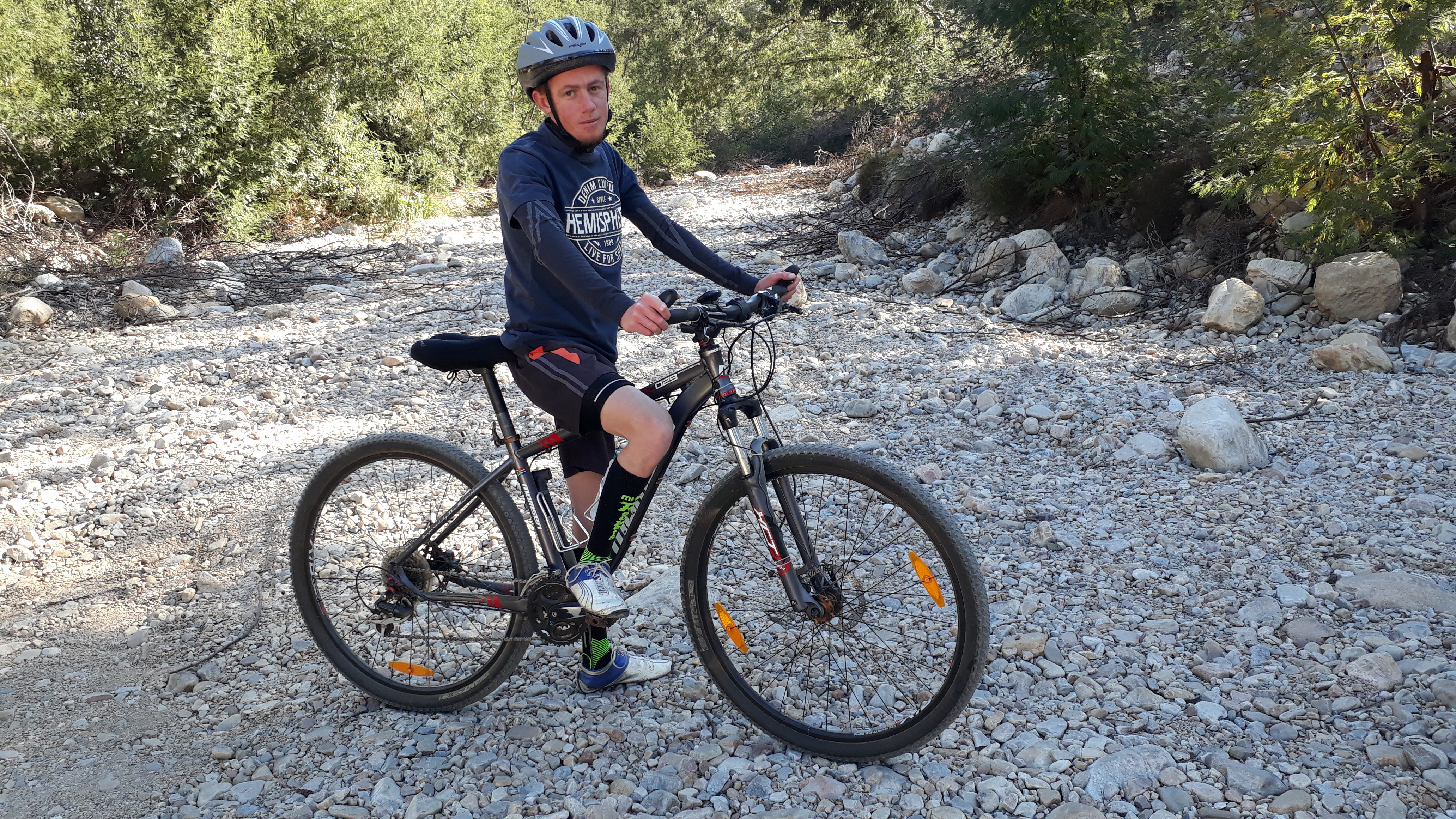 DOUBLE LUNG TRANSPLANT ENABLES YOUNG CYCLIST TO RACE AGAIN